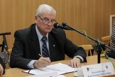 Eugeniusz Cichoń zostaje na stanowisku