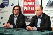 Posłowie PiS, Tomasz Kaczmarek i Jan Dziedziczak, spotkali się z mieszkańcami Skarżyska