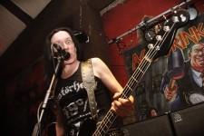 """Acid Drinkers + Post Profession – koncert w klubie Semafor – Grzegorz """"Fred"""" Miernik - Fotografia Koncertowa"""